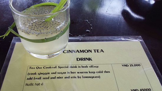 Tra Que Water Wheel: The delightful ginger and basil seed drink.