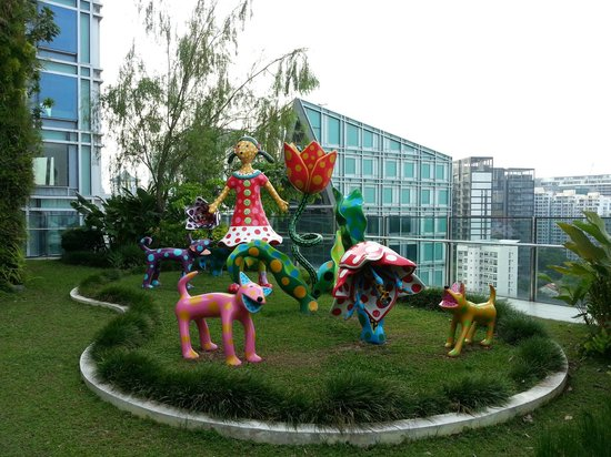 """Orchard Central: """"Let's go to a Paradise of Glorious Tulips"""" at rooftop garden"""