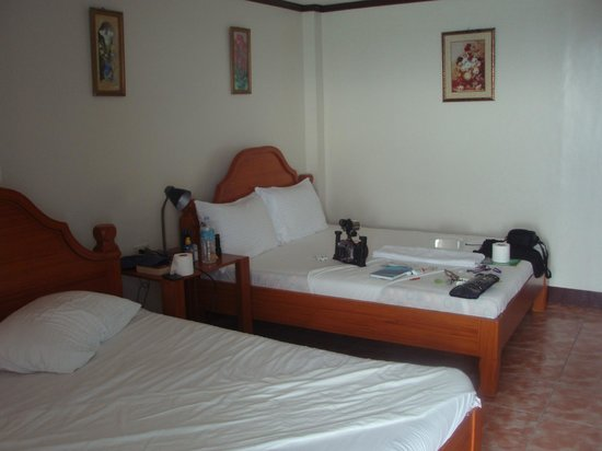 Blue Corals Beach Resort: Room
