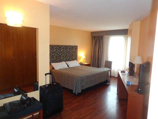 NH Panorama : dormitorios amplios y bien iluminados