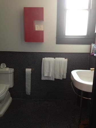Hotel Saint Cecilia: Bathroom