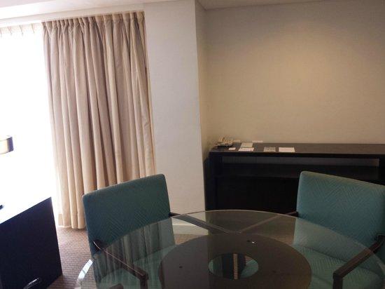 Century Park Hotel: Living Room