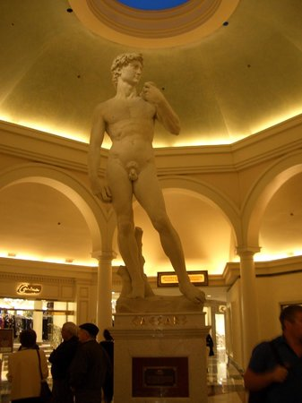 Casino at Caesars Palace : Michelangelo's David