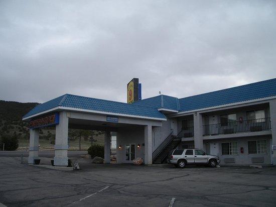 National 9 Inn - Mt Nebo : Outside