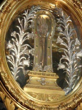 Chiesa del Gesù: フランシスコ・ザビエルのミイラ化した右手が祀られている