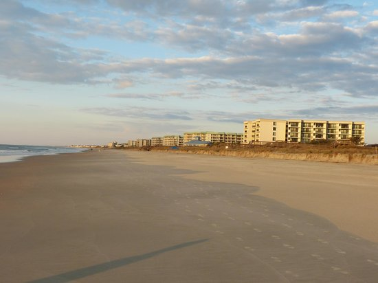 Litchfield Beach & Golf Resort : View down Litchfield Beach