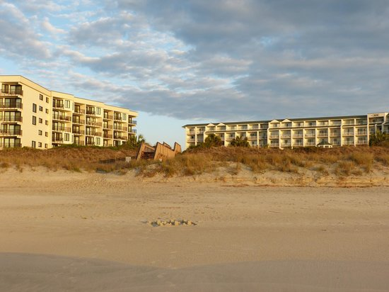Litchfield Beach & Golf Resort : Two of the high rise buildings, villas are also available