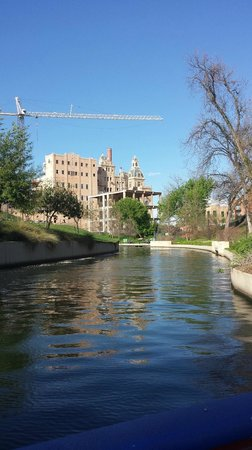 Hotel Valencia Riverwalk: River taxi ride
