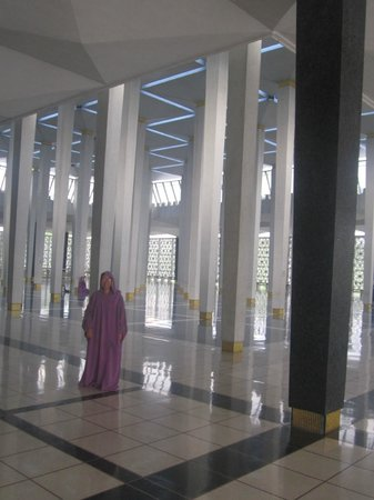 National Mosque (Masjid Negara) : interiors