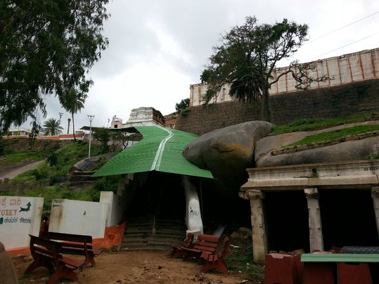 Shivagange: Enroute to the temple