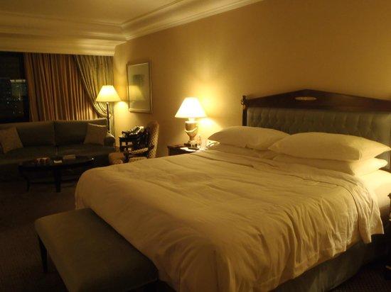 Hotel Mulia Senayan, Jakarta : Corner King Room