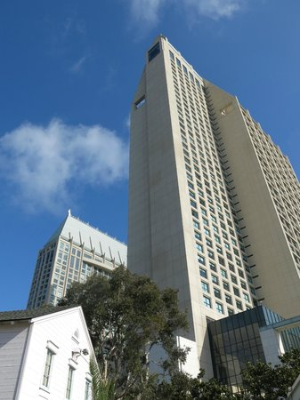 Manchester Grand Hyatt San Diego : Walk to this from hotel