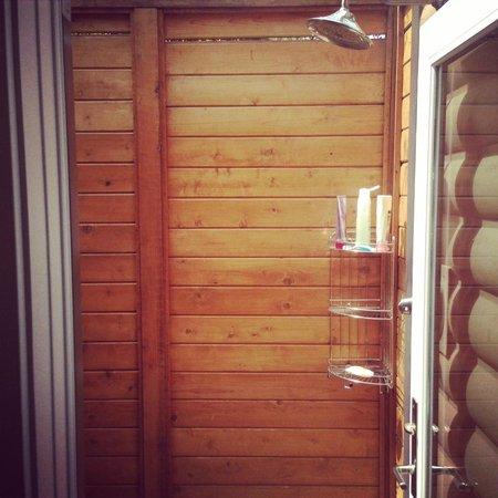 L'Auberge de Sedona : Outdoor Cedar Shower