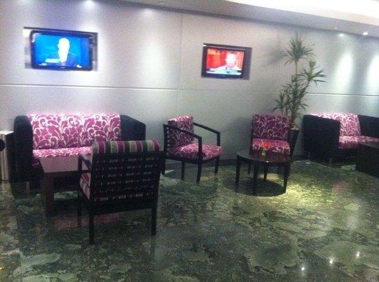 Hilton Mexico City Airport: Renovaron el mobiliario, quedo muy nice!
