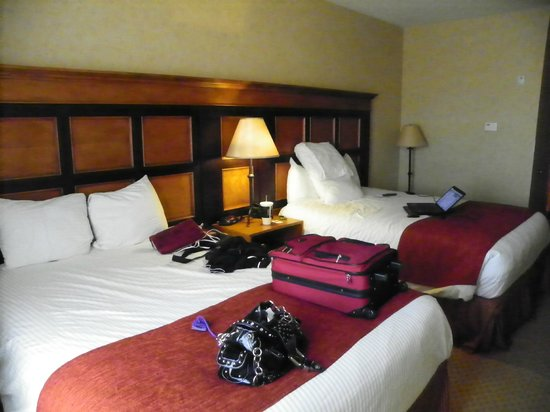 Diamond Mountain Casino and Hotel : the  2  queen beds