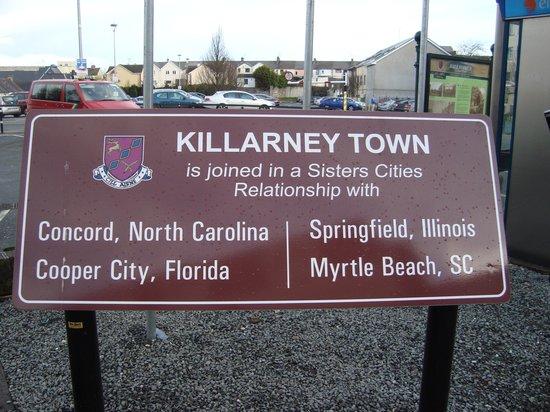 Killarney Towers Hotel & Leisure Centre : Across the street