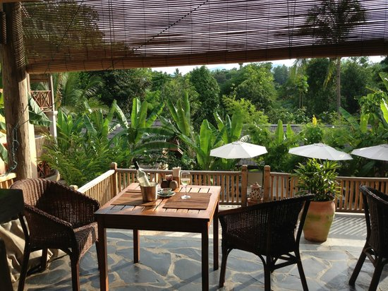 My Dream Boutique Resort: Dining on the Veranda