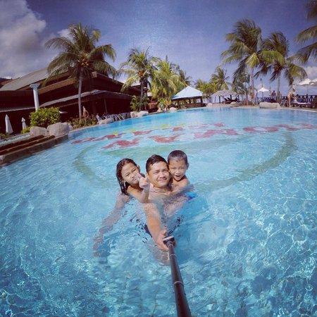 Berjaya Tioman Resort - Malaysia: We had fun, my kids love the pool