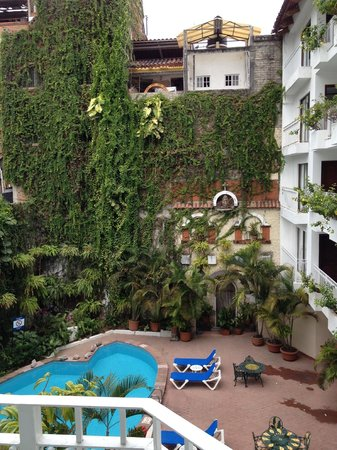 Los Arcos Suites: View from room 208