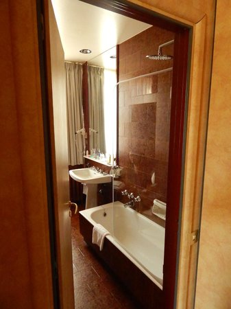 Grand Hotel Sitea : Bathroom
