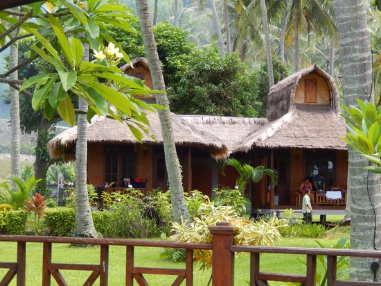 Windy Beach Cottages: Pemandangan pondokan