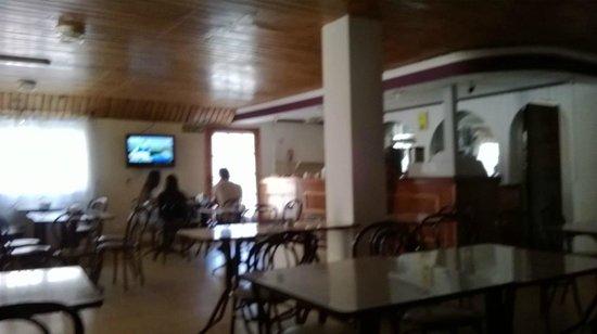 Hotel San Miguel: DESAYUNADOR, muy bueno el televisor, y abundante deayuno