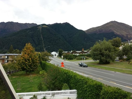 Earnslaw Lodge: View from the front balcony
