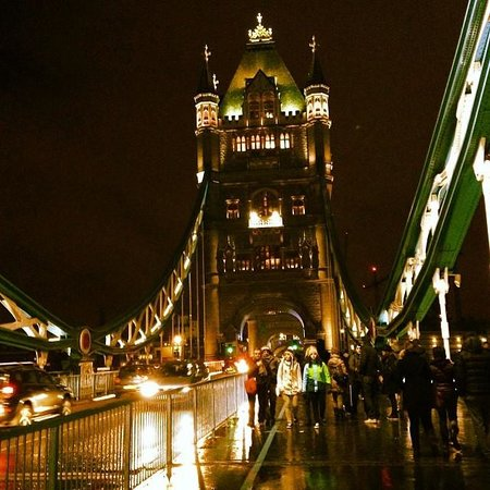 Tower Bridge : Night's vision of the tower