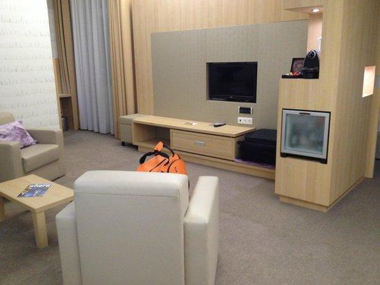 Hotel Nemzeti Budapest - MGallery by Sofitel : room