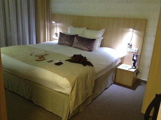 Hotel Nemzeti Budapest - MGallery by Sofitel : bed