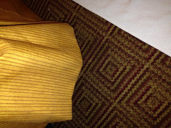 La Quinta Inn & Suites Orlando South: Corners of bed