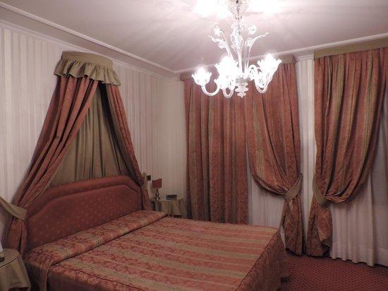 Kette Hotel : Decoração da suíte