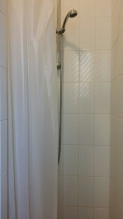 Hotel Miralaghi: Tendina del bagno