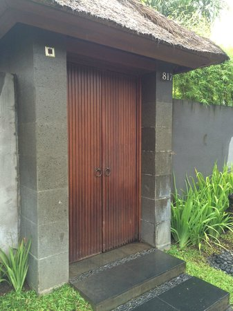 The Kayana Bali: Entrance door to the private villa
