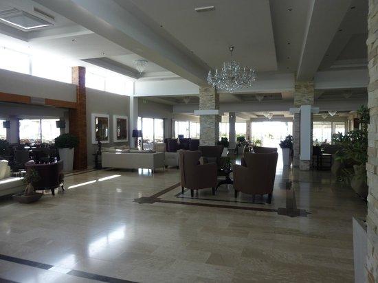 Asterias Beach Hotel: eingangsbereich