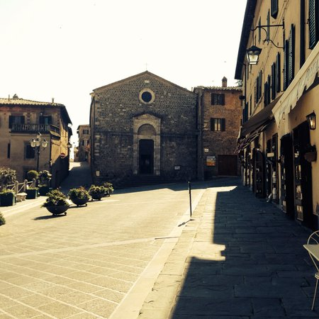 My Tour Tuscany Experts : Perfectly Picturesque Town