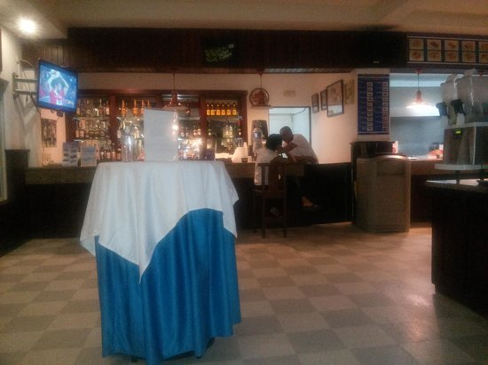 Grand Palladium Palace Resort Spa & Casino: the sport bar
