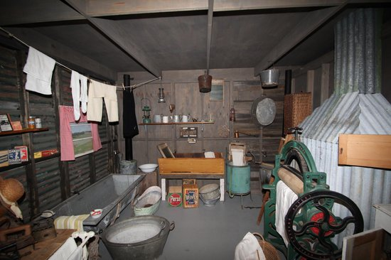 Channel Museum : Domestic drudgery