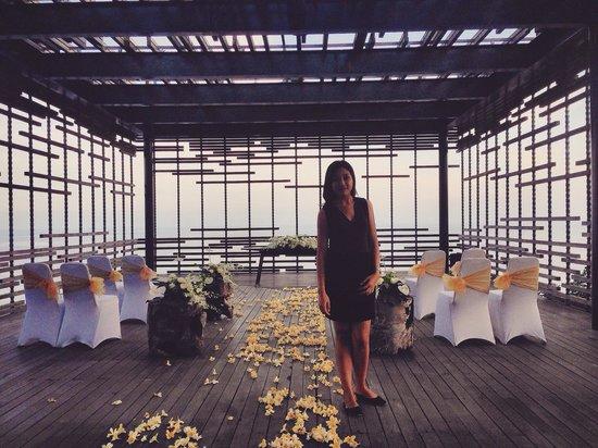 Alila Villas Uluwatu: Happy wedding
