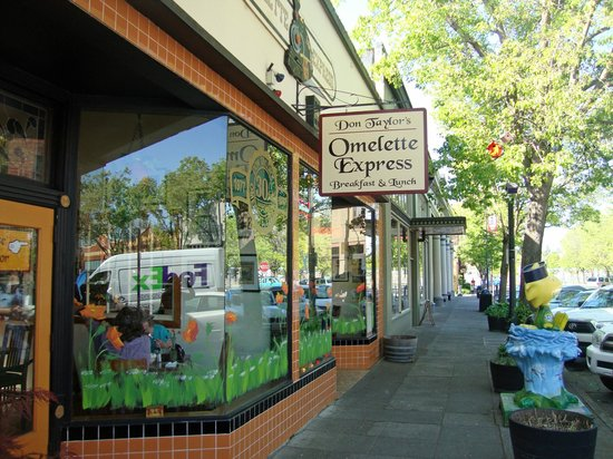 Don Taylor's Omelette Express : Front of the restaurant