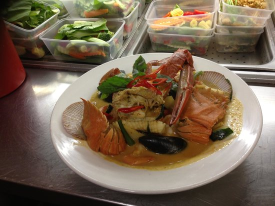 Forster Golf Club : Seafood red curry