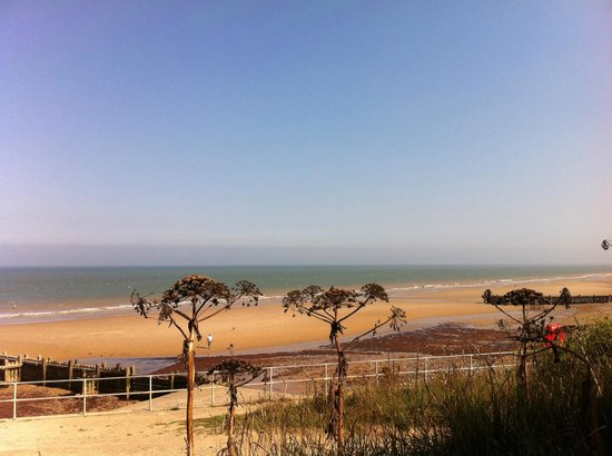 Chimneys B & B: Mundesley by the Sea -our local beach