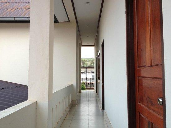 Villa Sisavad: room