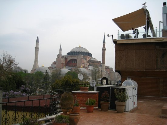 Uyan Hotel: view of Hagia Sophia from rooftop terrace