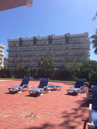 MedPlaya Piramide Salou : Pool area