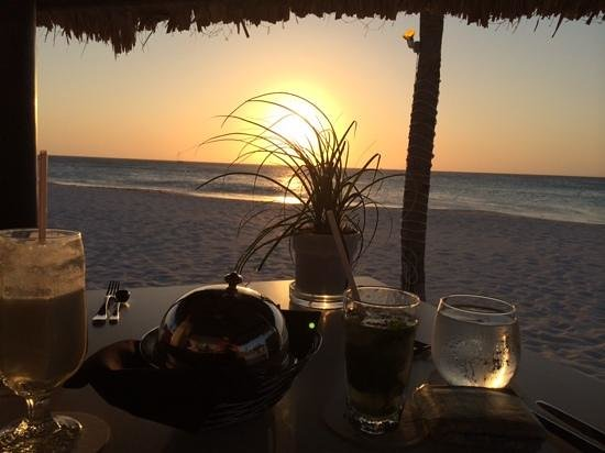Bucuti & Tara Beach Resort Aruba : private dinner right on thr beach