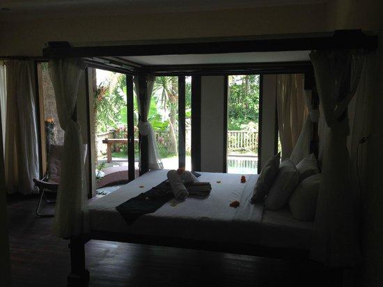 Deta Junjungan Rice Field Villa: -