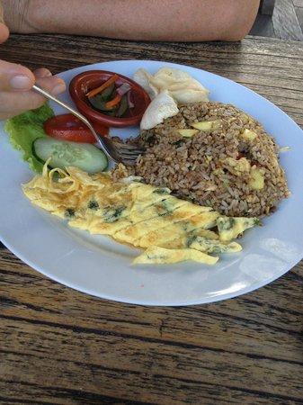 La Men Resto: Thai pineapple fried rice
