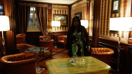 The Britannia Hotel : lounge