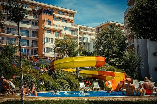Grand Resort Apartments-Garden: water slide
